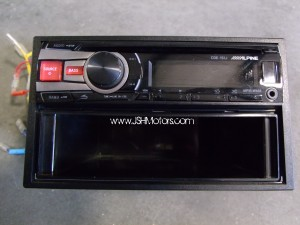 Alpine CD Head Unit